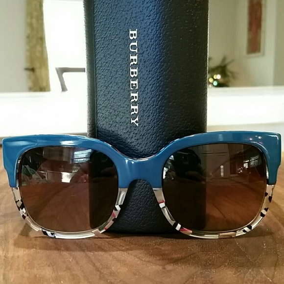 36d6c836a0b8 Burberry Accessories - Burberry Sunglasses